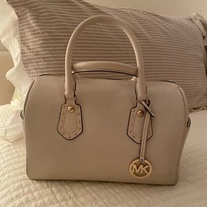 Michael Kors Handbag Flash Sale!
